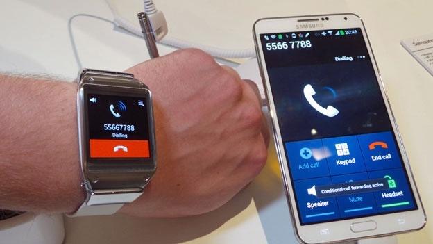 «Самсунг» может выпустить умные часы 3-о поколения с сим-картой