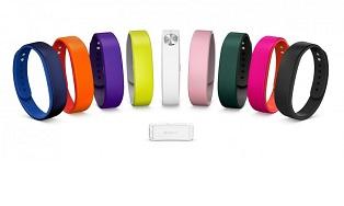 В мае Sony начнет продавать фитнес-браслет за 4000 рублей