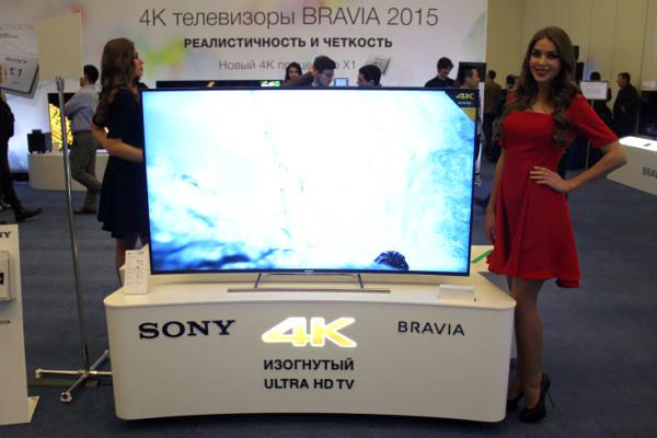 Толщина телевизора Sony BRAVIA в два раза тоньше толщины