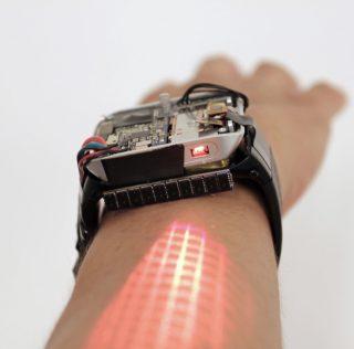 Ученые создали «умные» часы на Android, которые превращает руку в сенсорный экран