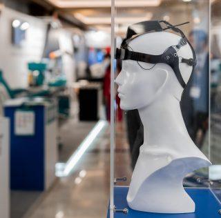 «Ростех» создал шлем для передачи мыслей электронным устройствам