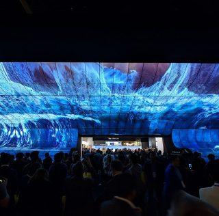CES 2019: LG  удивило «водопадом» из 250 гибких OLED-телевизоровов