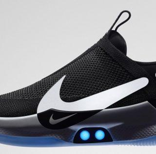 Компания Nike выпустила «умные» кроссовки с автошнуровкой