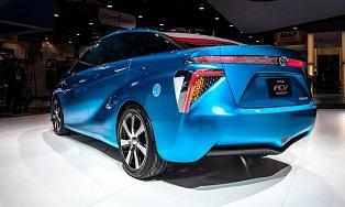 В следующем году Toyota выпустит конкурента Tesla Model S